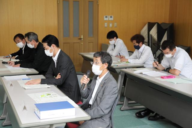 経営陣から7名が出席、新任取締役の柳氏も出席(2列目右端)