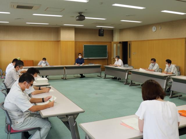 県内感染者急増を受けて本部会議を開催